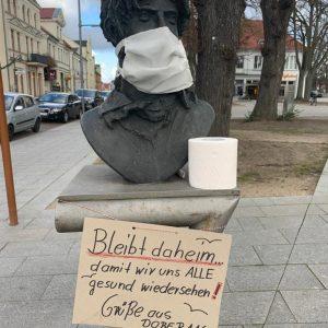 Zappa Mit Mundschutz In Bad Doberan