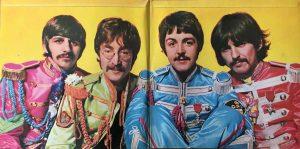 Beatles - St. Pepper Cover komplett